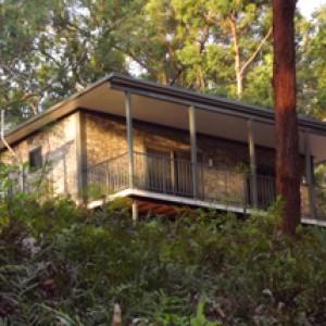 Canungra Cottage accommodation at Wallaby Ridge